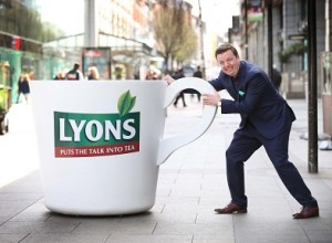 Oliver Callan launches The Lyons Tea 'Get it Off Your Chest' Survey
